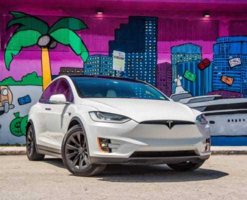 Аренда Tesla модель X 2019 в Майами