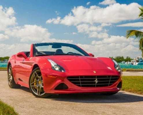 Аренда Ferrari California T 2018 в Майами