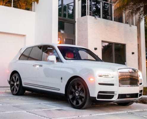 Аренда Rolls Royce Cullinan 2019 в Майами