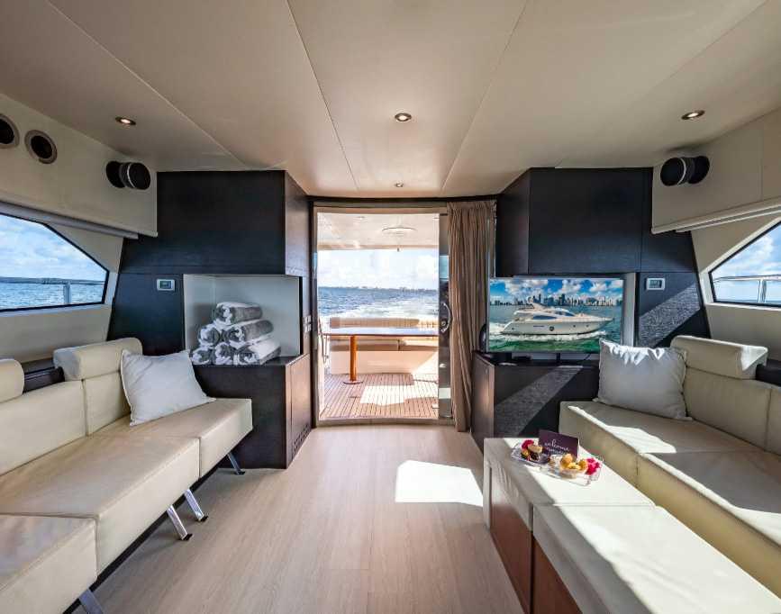 Rent Yacht Aicon 69 In Miami
