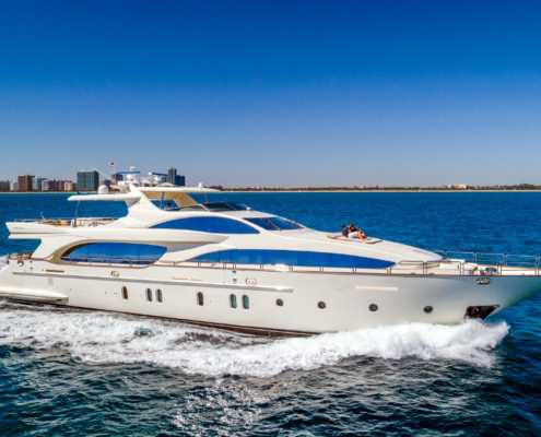 Rent Yacht Azimut 116 in Miami