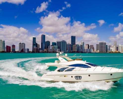 Rent Yacht Azimut 55 in Miami