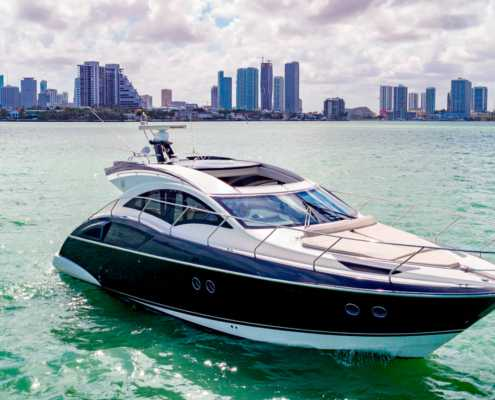 Rent Yacht Marquis 43 in Miami