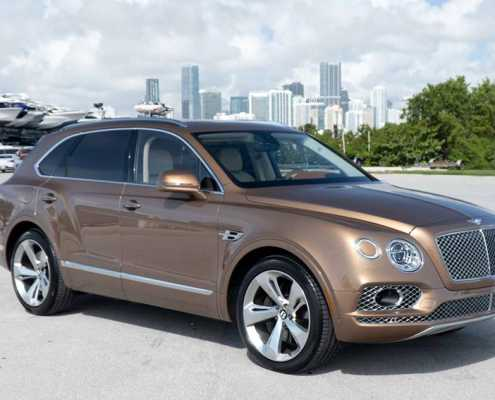 Rent Bentley Bentayga Champagne Edition 7